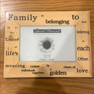 NWT in packaging photo frame!!!